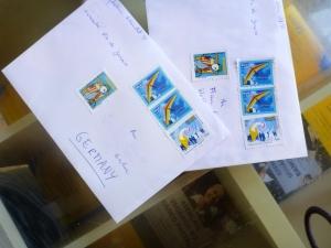 Und so viele schöne bunte Briefmarken bekommt man für nen Brief nach Europa. Erinnert ein mich ein bisschen an Harry Potter.