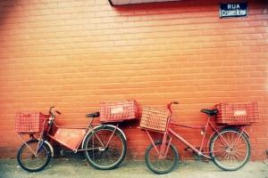 Die Fahrräder der Bäckerei in meiner Straße.