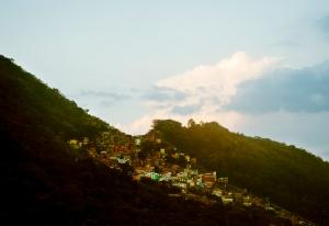 Die Favela bei mir in der Nähe. Aufgenommen von meiner Terrasse.