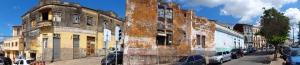 Bekannt für ganz tolle alte Gebäude, vor allem mit Kacheln geschmückt, aber leider schon sehr verfallen