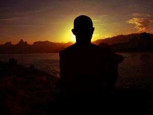 Sonnenuntergang am Arpoador in Rio